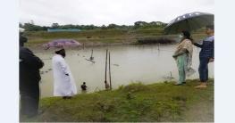 কাপাসিয়ায় নদীতে অবৈধভাবে বেড়া দেয়ায় উচ্ছেদ অভিযান